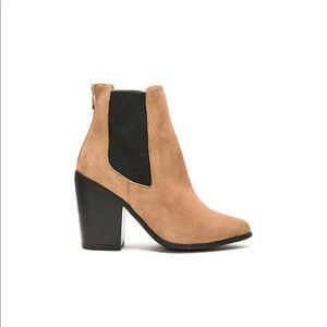 Womens Raye Boots Evie Tan Beige Suede booties
